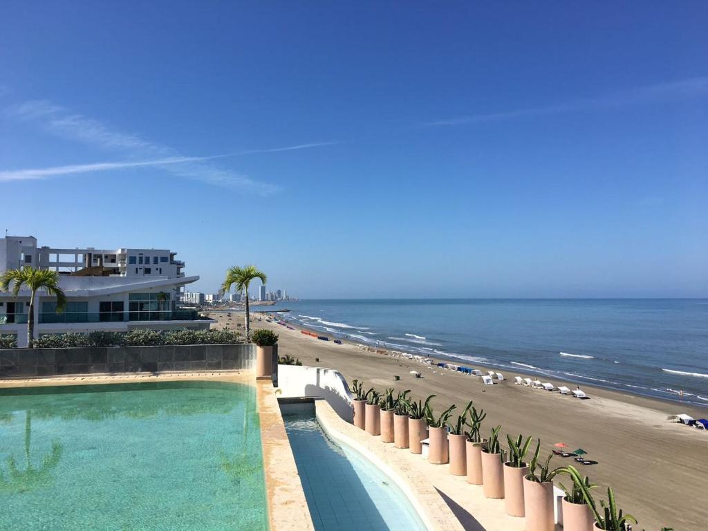 Apartamento mar abierto kolumbia cartagena de indias for Playa piscina