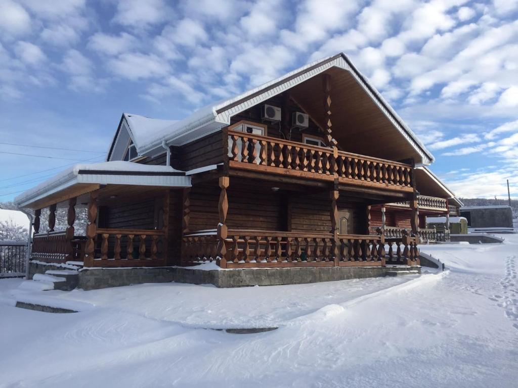 Гостевой дом на Лесной зимой