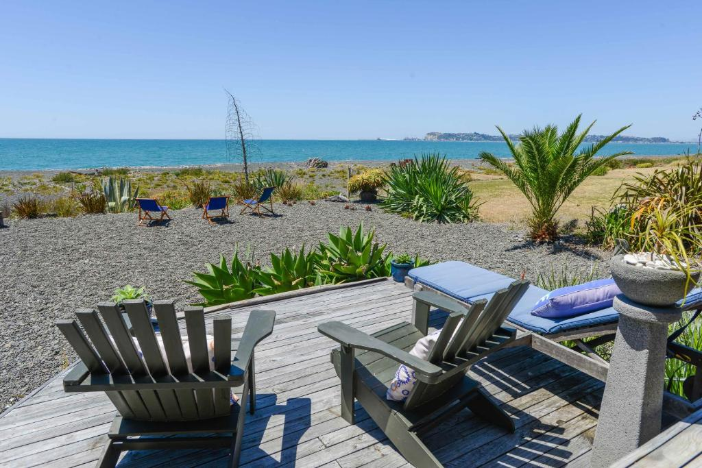 absolute beachfront b b napier new zealand booking com