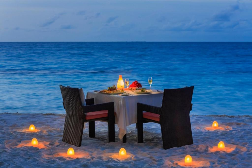 Resort kuramathi maldives rasdu maldives for Great rooms com