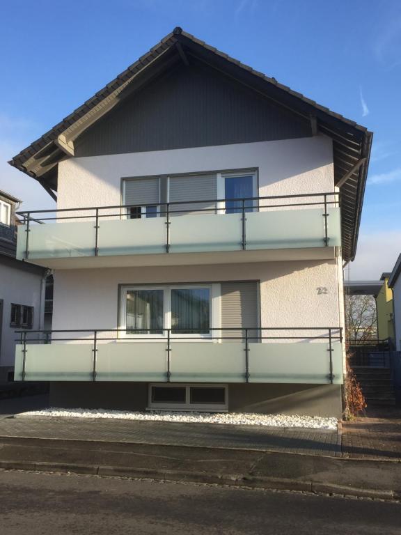 ferienwohnung ferienwohnung voissel deutschland bad neuenahr ahrweiler. Black Bedroom Furniture Sets. Home Design Ideas