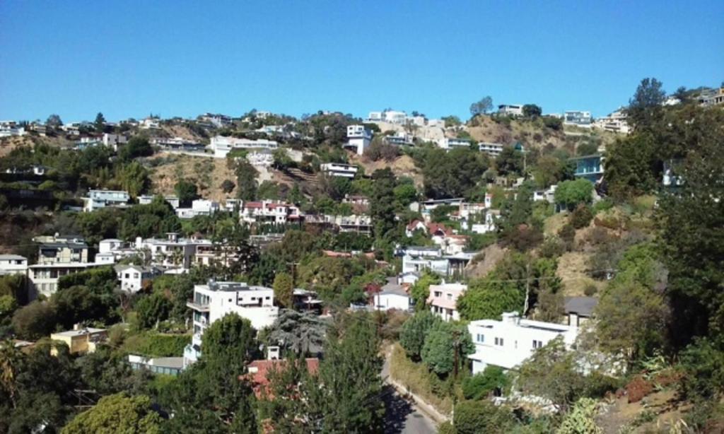 the hollywood hills villa abd los angeles. Black Bedroom Furniture Sets. Home Design Ideas