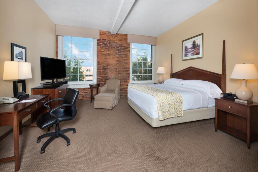 Hotel Hawthorn Suites By Wyndham Rome Ga Booking