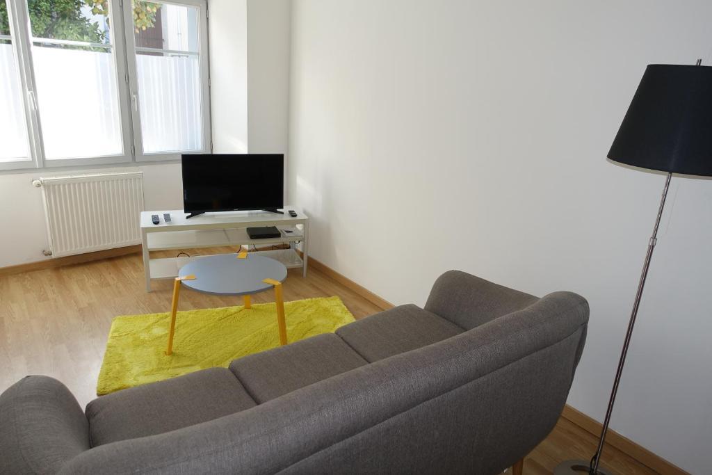 Apartments In Saint-auvent Limousin
