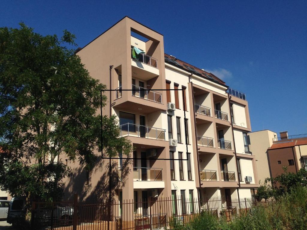 Апартамент Siltours 2 - Бургас
