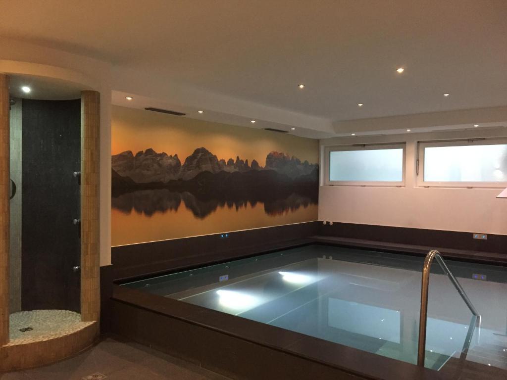 Vasca Da Bagno Ariston Prezzi : Hotel ariston madonna di campiglio u2013 prezzi aggiornati per il 2019