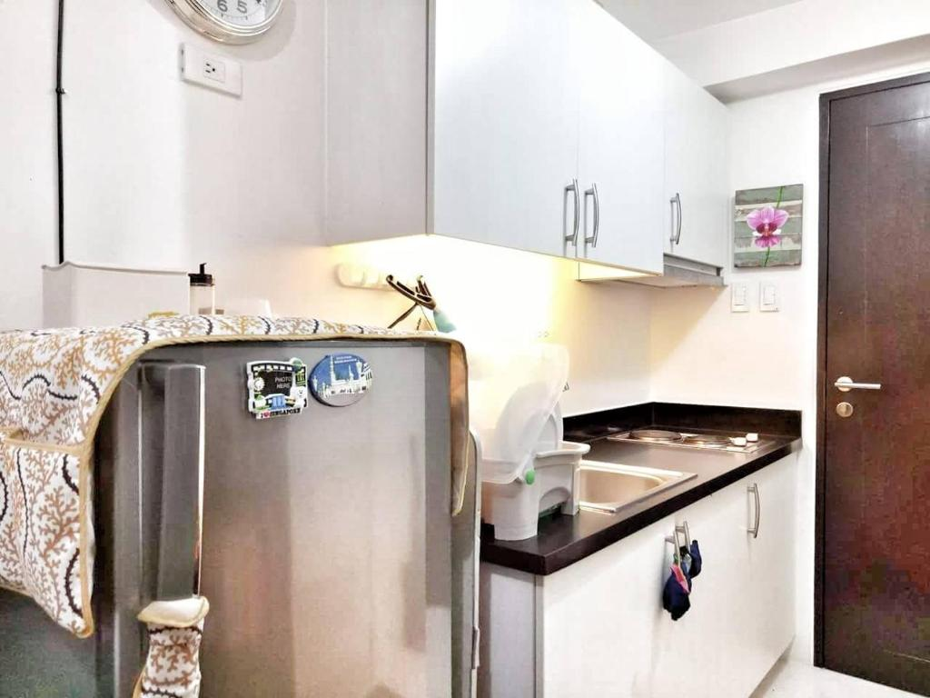 Apartment Low Cost Staycation Manila Philippines