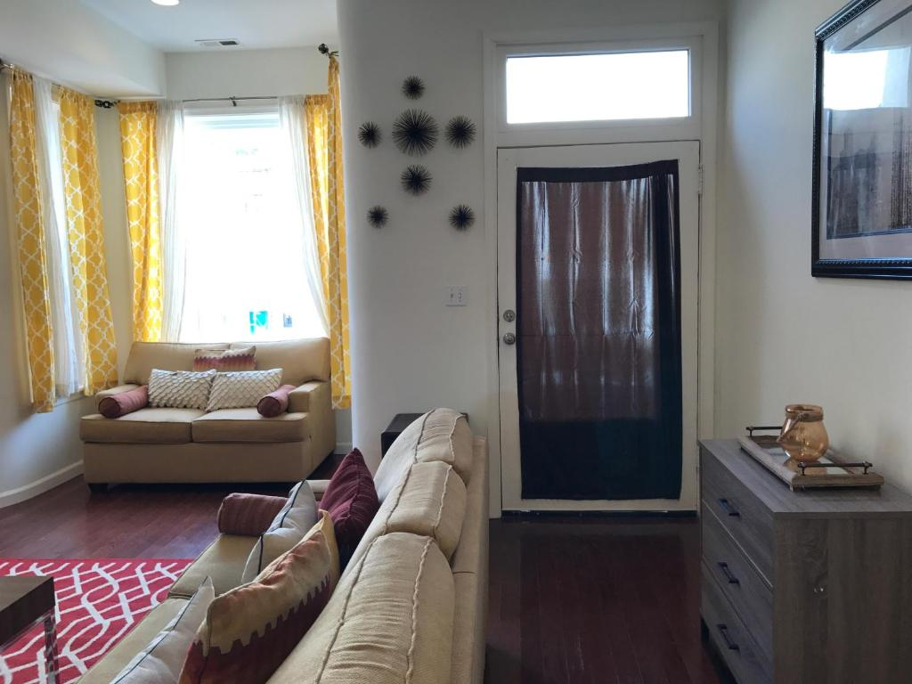 Vacation Home Luxurious 5BR Home in DC, Washington, D.C., DC ... on