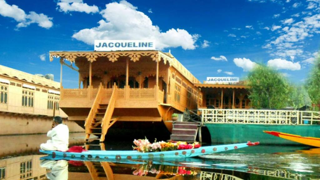 Jacqueline houseboat