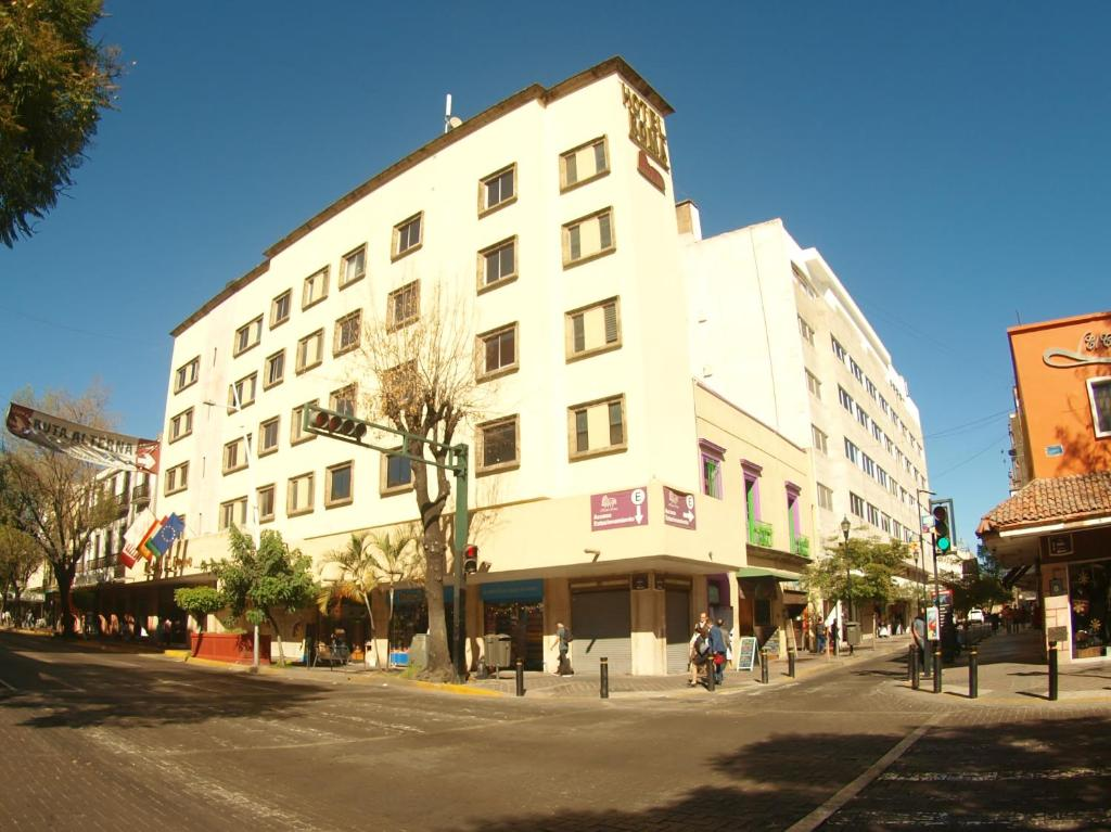 Hotel roma guadalajara mexico for Hotel roma booking