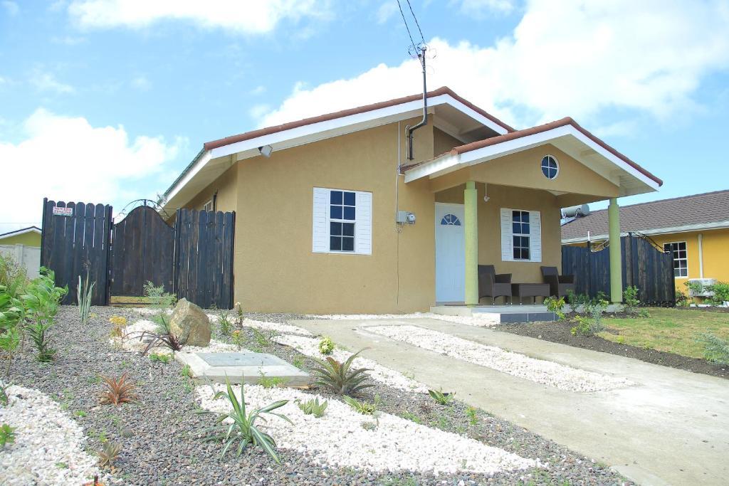 Apartments In Lumsdale Saint Ann Parish