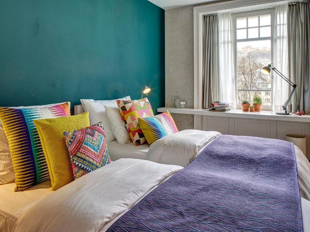 盧塞恩安克爾酒店房間的床
