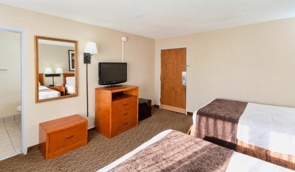 Downtown Duluth Inn, MN - Booking.com