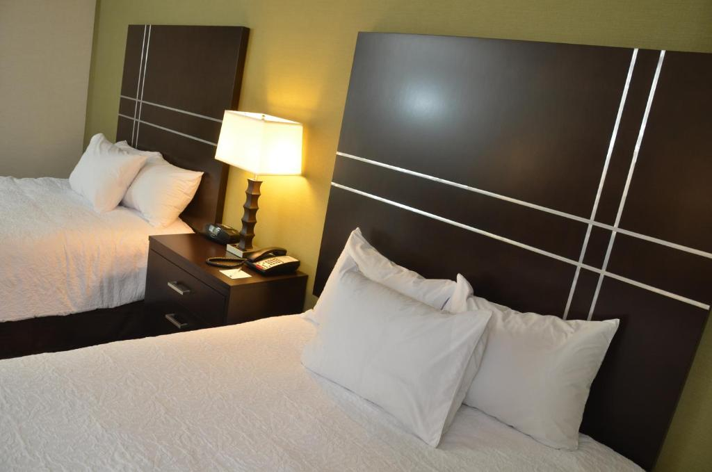 Hampton inn & suites - sharon west middlesex pa picture 16