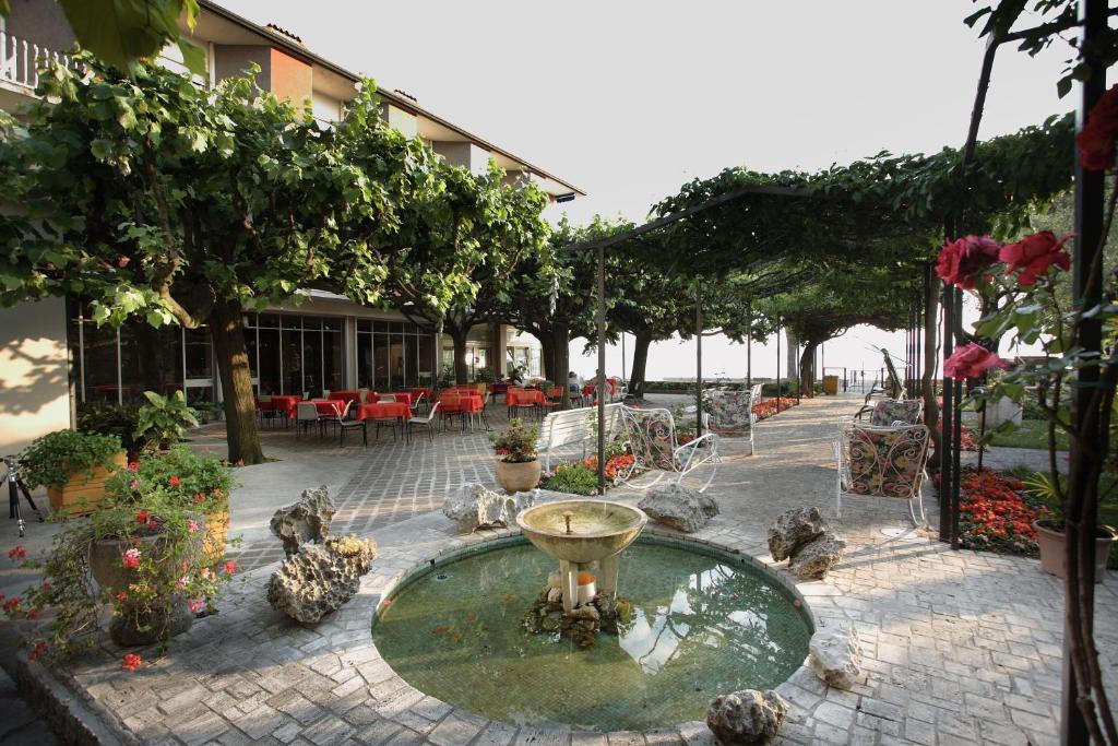 Hotel Giardino Sirmione Prezzi Aggiornati Per Il 2019