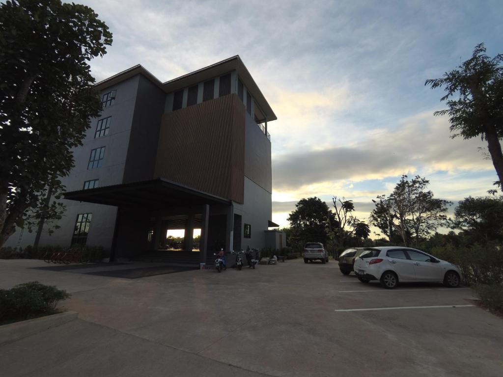 Riverawan Hotel