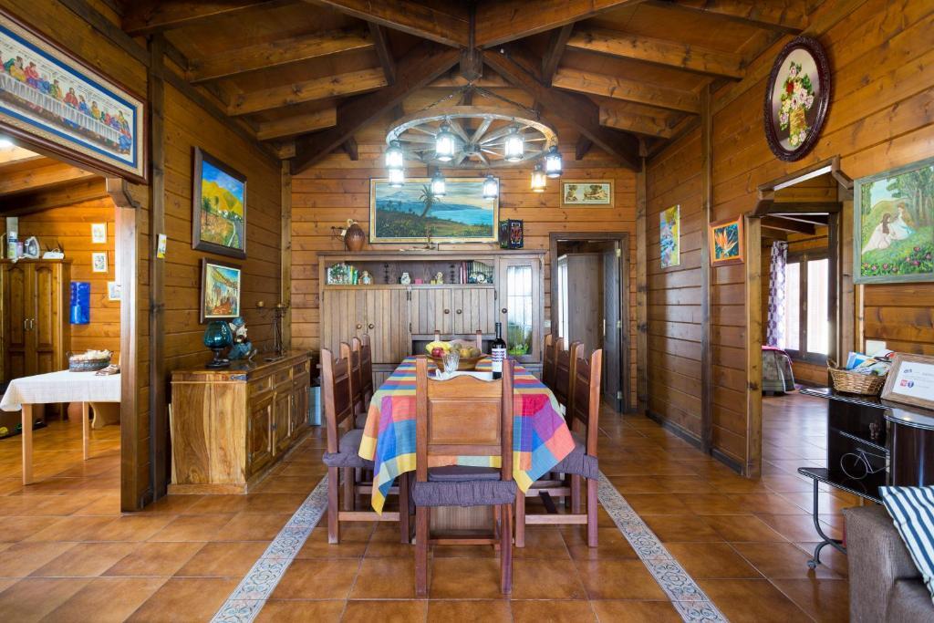Casa o chalet casa madera vistas mar y monta a espa a - Apartamentos de montana ...