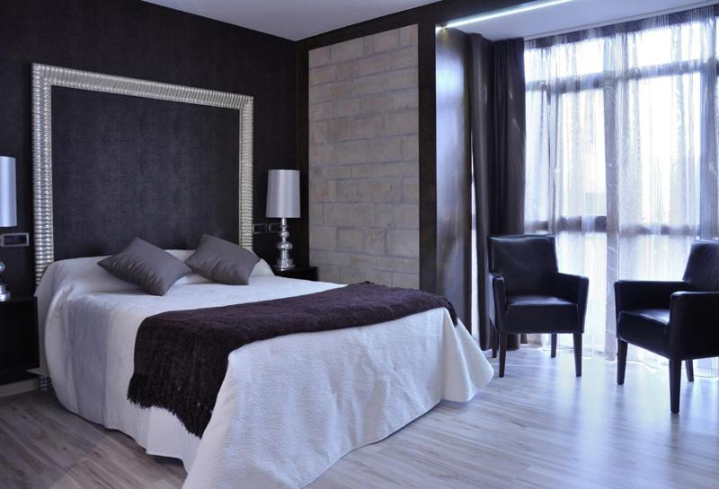 boutique hotels covaleda  11