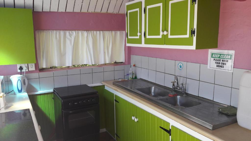 Hostel Moonsong Backpackers, Plettenberg Bay, South Africa - Booking.com