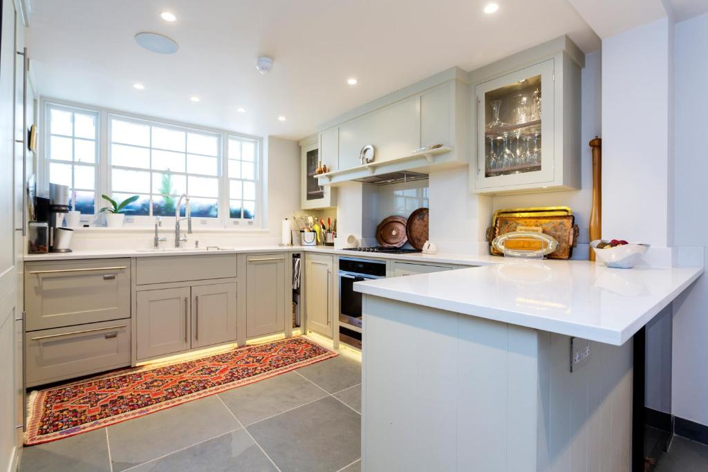 Holiday home Veeve - Centre of Marylebone! 3 bed home, London, UK ...