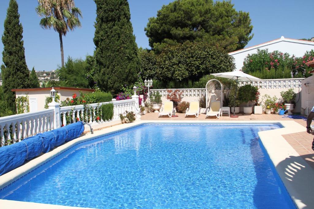 Sunny Villa in Moraira imagen