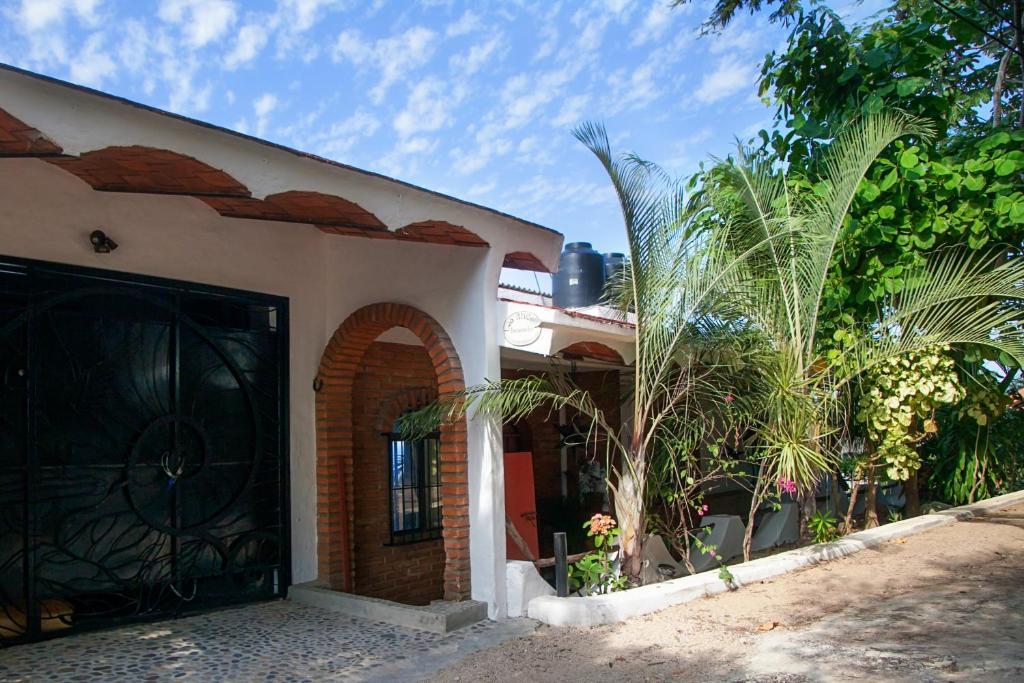 Casa o chalet casa los arcos m xico sayulita for Casa jardin sayulita