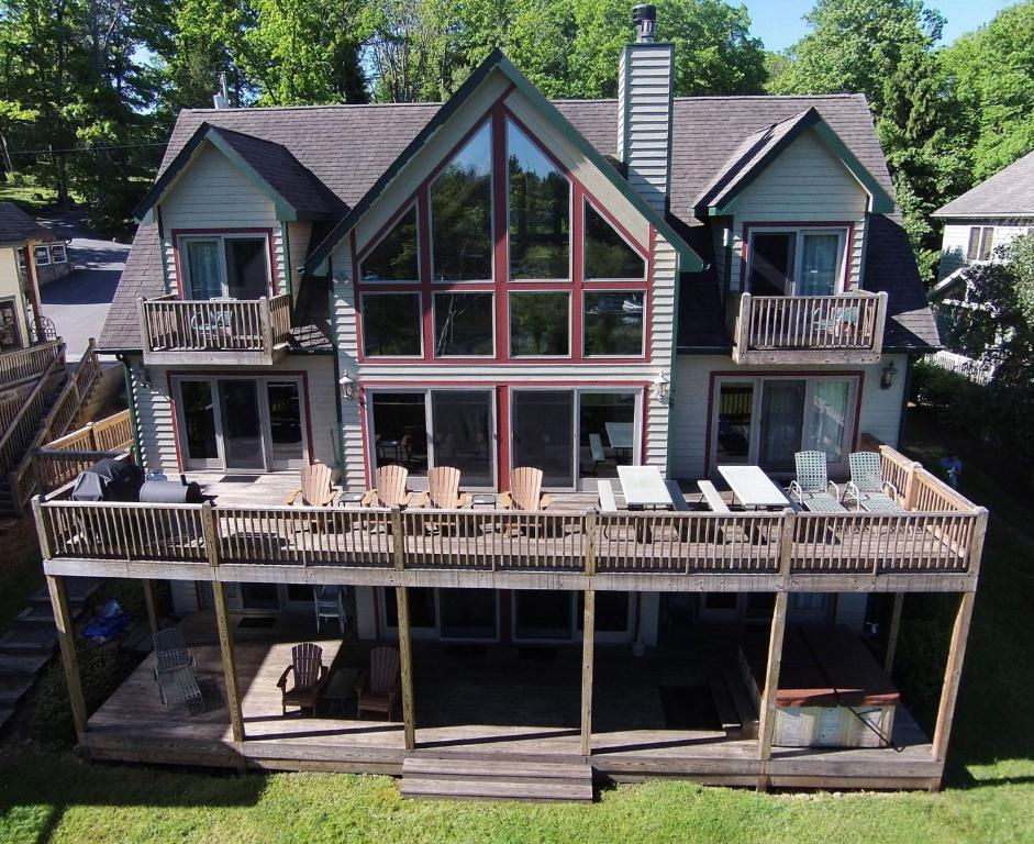 Celebration At Deep Creek Eight Bedroom Holiday Home