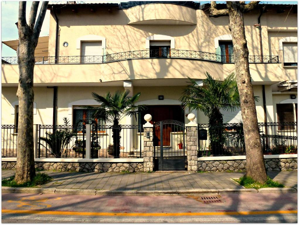 Appartamenti villa tonni gabicce mare italy for Appartamenti gabicce mare