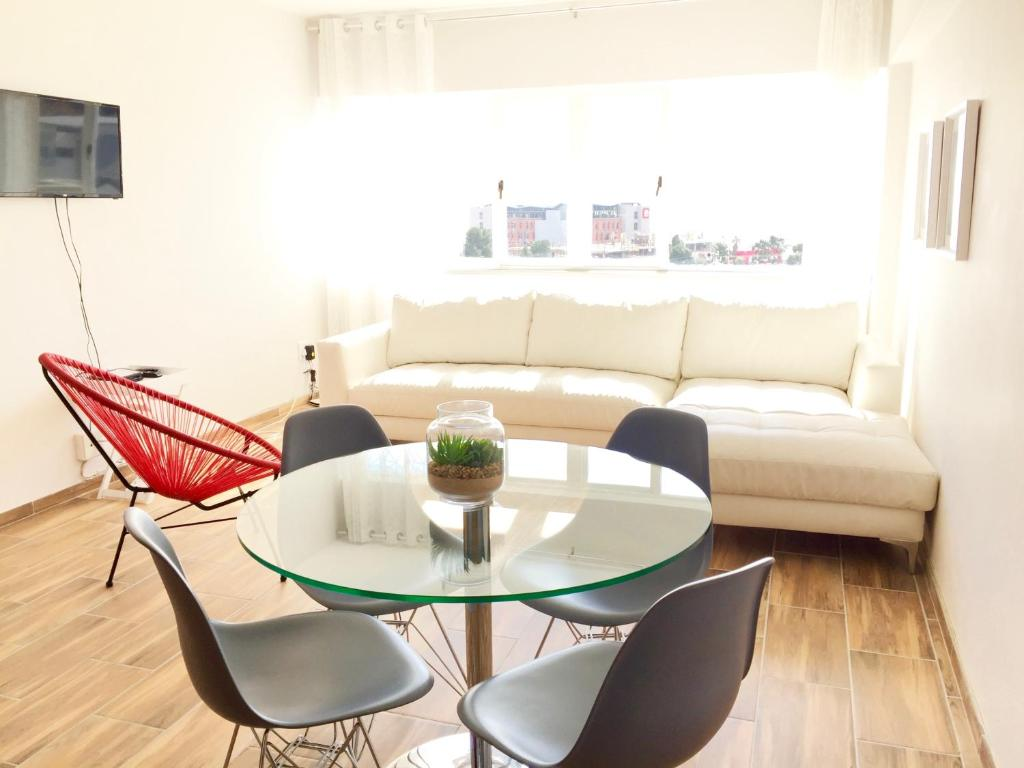 Apartment Midtown Rentals at Mobema, Cape Town, South Africa ...