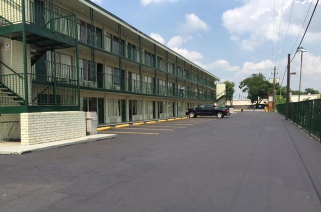 Houston Inn and Suites