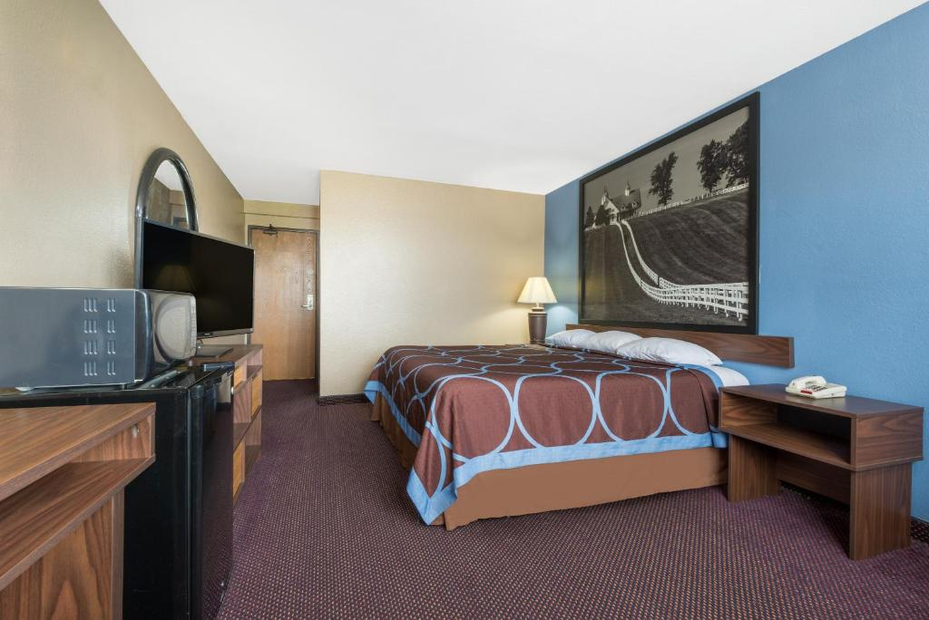 Motel super 8 by wyndham corbinlondon ky ky booking gallery image of this property solutioingenieria Gallery