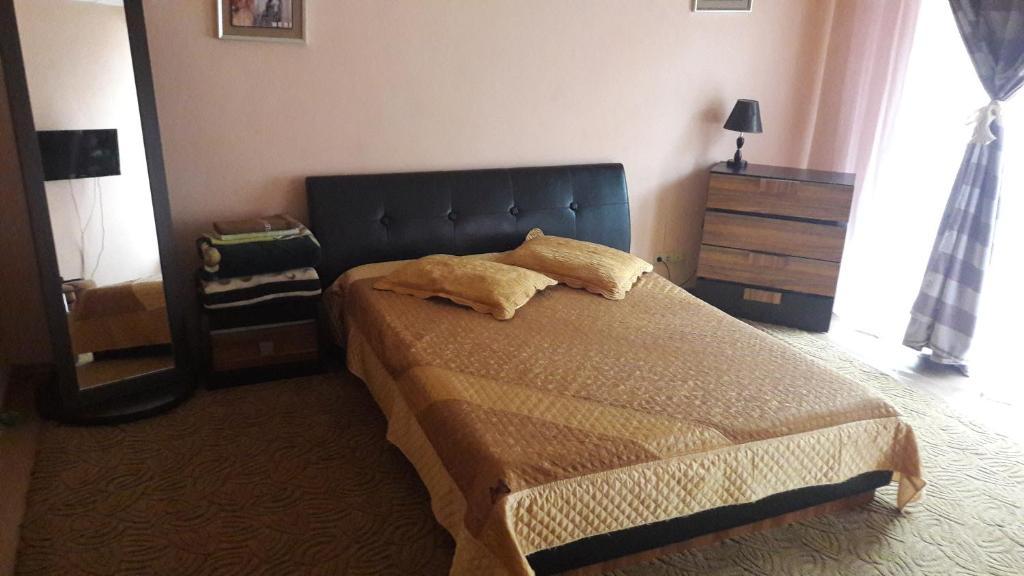 Apartment on Svetlanskaya 7