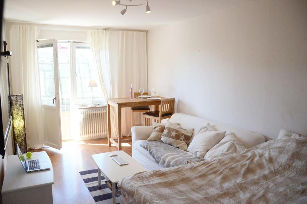 Beautiful Studio Apartment Visby Sweden Bookingcom - Sleek-and-beautiful-apartment-in-sweden