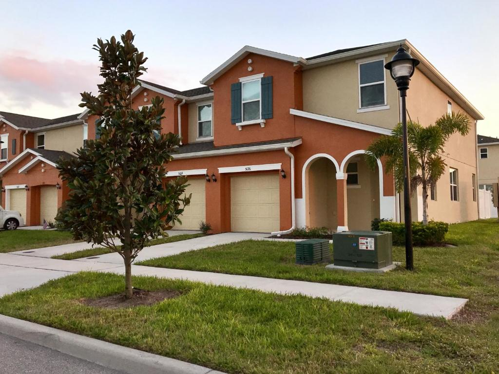 Vacation Home Four Bedrooms Townhome 5126, Kissimmee, FL - Booking.com