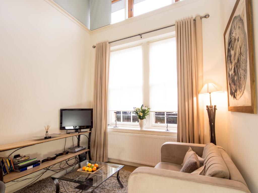 the studio apartment the edinburgh address uk. Black Bedroom Furniture Sets. Home Design Ideas