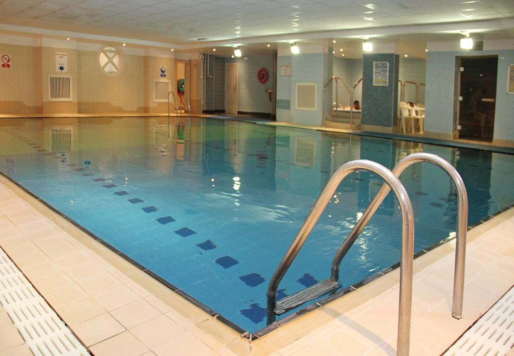 Lansdowne hotel croydon updated 2019 prices - Hotels in lansdowne with swimming pool ...