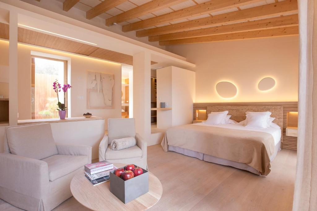 boutique hotels in canyamel  48
