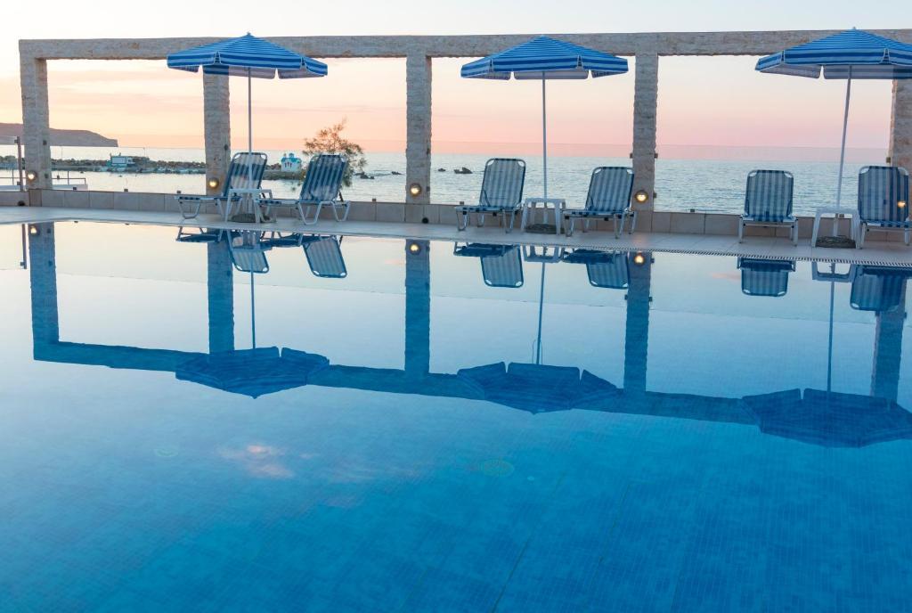The swimming pool at or near Porto Alegre Hotel