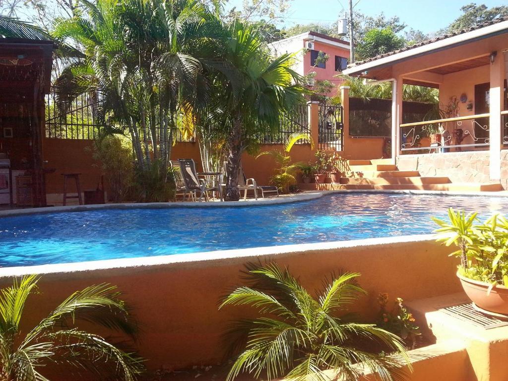 Apartamento condominio girasol costa rica villarreal for Piscina villarreal