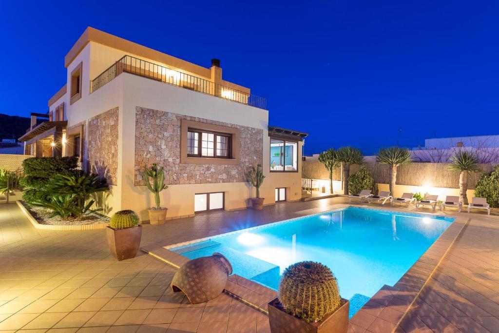 Villa campo sol spanje ibiza stad - Villa de vacances vogue interiors ...