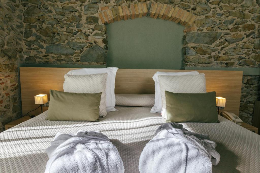 boutique hotels in garriguella  11