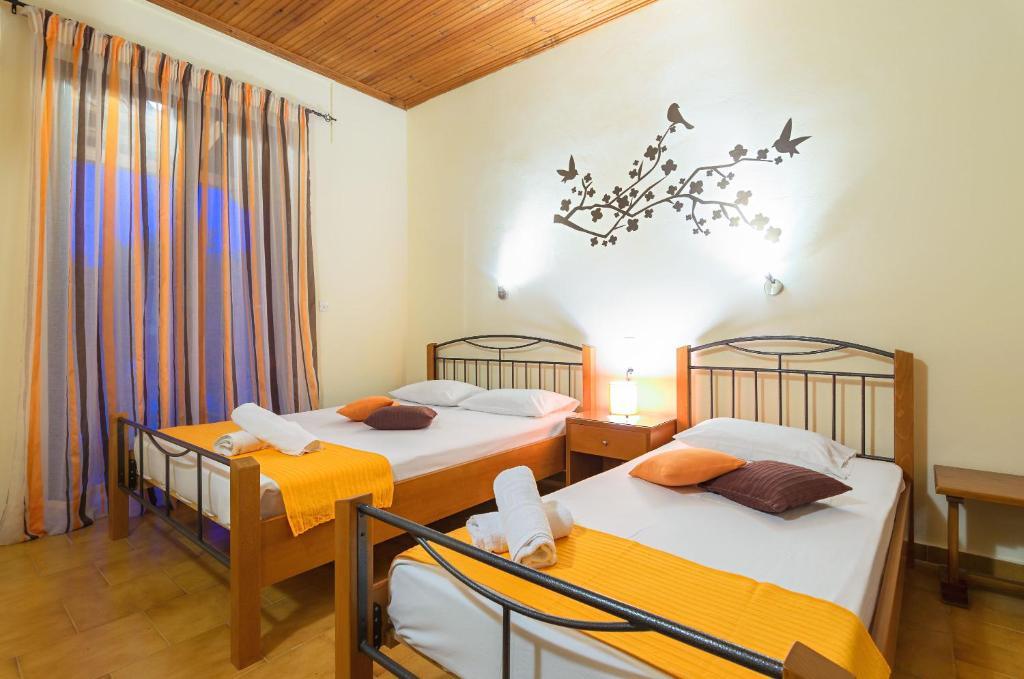 史帝法諾一室公寓房間的床