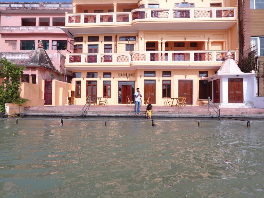 Aalia On The Ganges Hotel