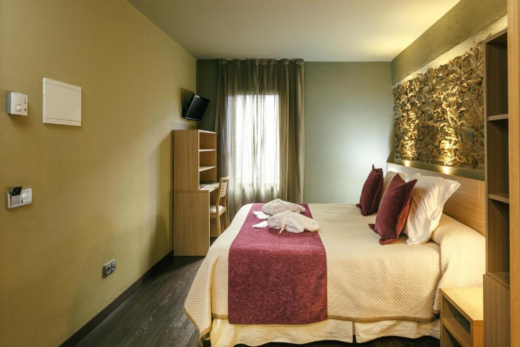 boutique hotels in garriguella  15