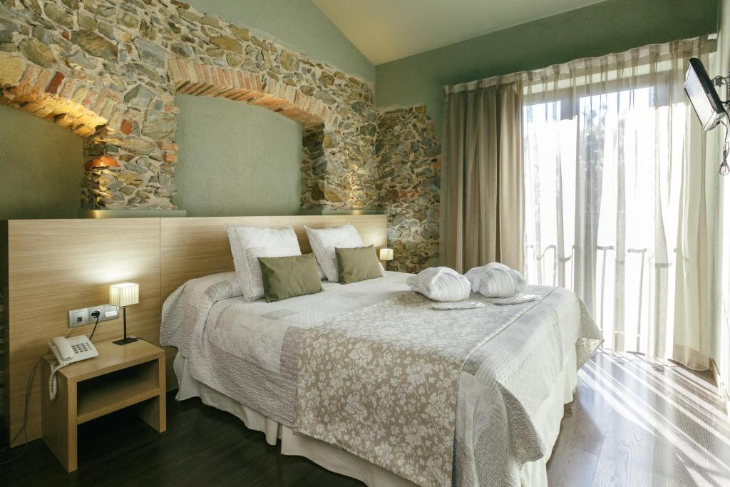 boutique hotels in garriguella  10