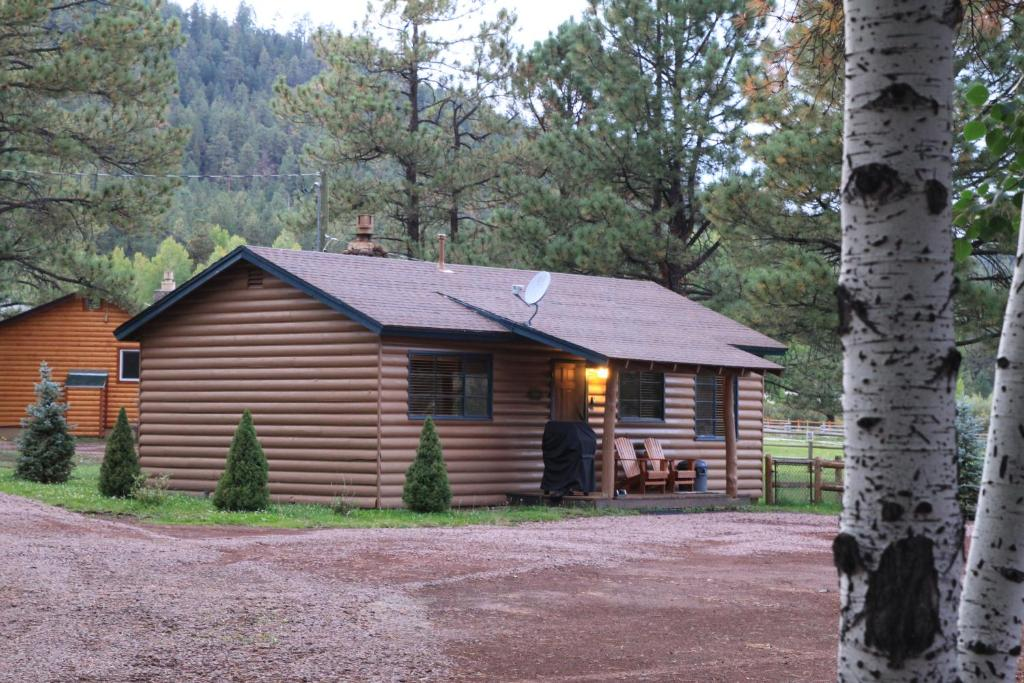 header cabin for cabins vacation verschneite next homes greer ranch sale meadow white previous mountains in az hidden