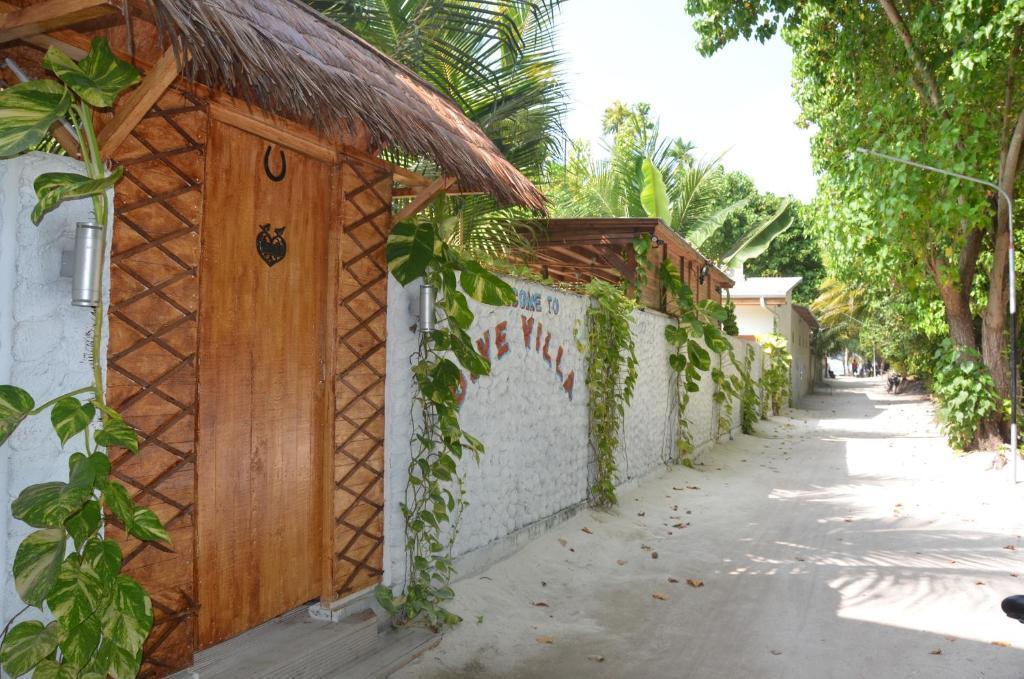 Dive Villa Thoddoo