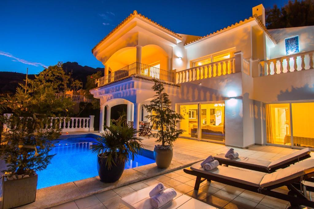 Abahana Villa Heaven