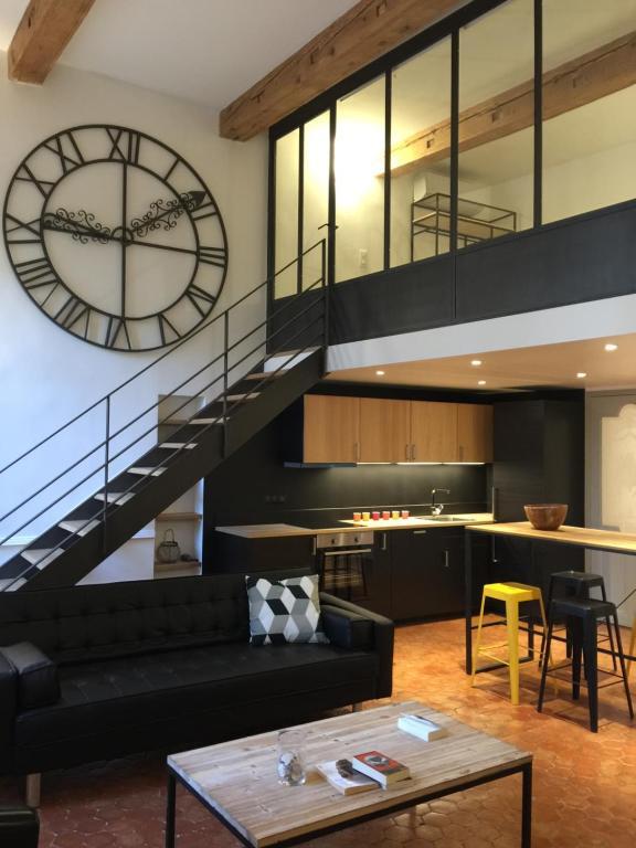 Apartment Les Suites du Cours & Spa, Aix-en-Provence, France ...