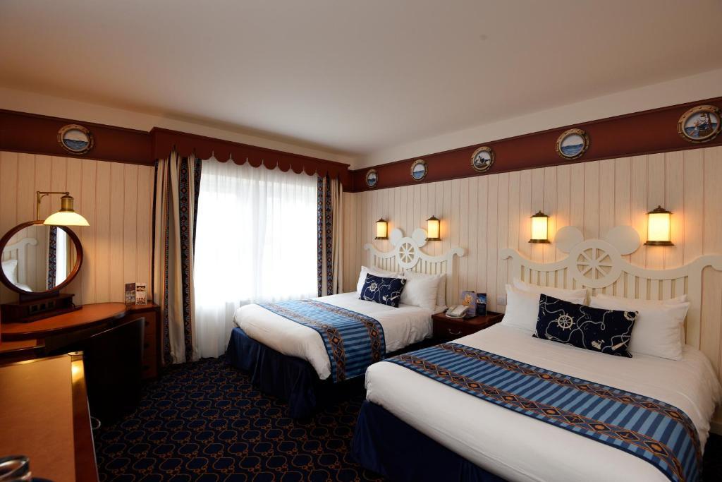Disney's Newport Bay Club Hotel **** 90326061